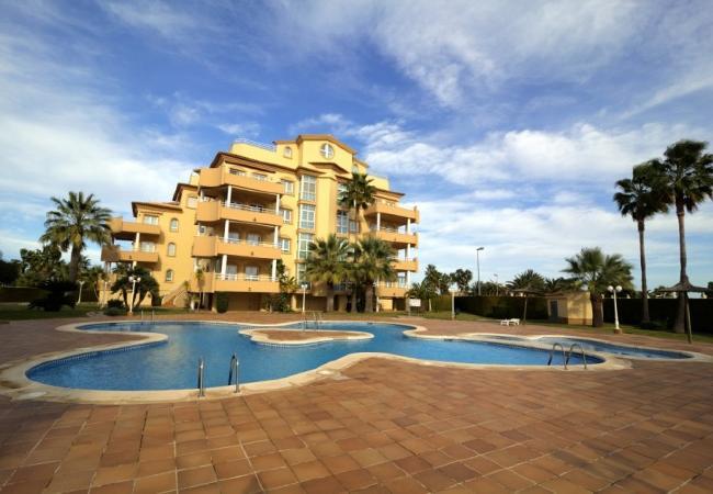 Apartamento en Oliva - Golf & Mar +1 día en Denia con PACK DE BIENESTAR (menús GOURMET, SPA, bicicletas, excursiones)